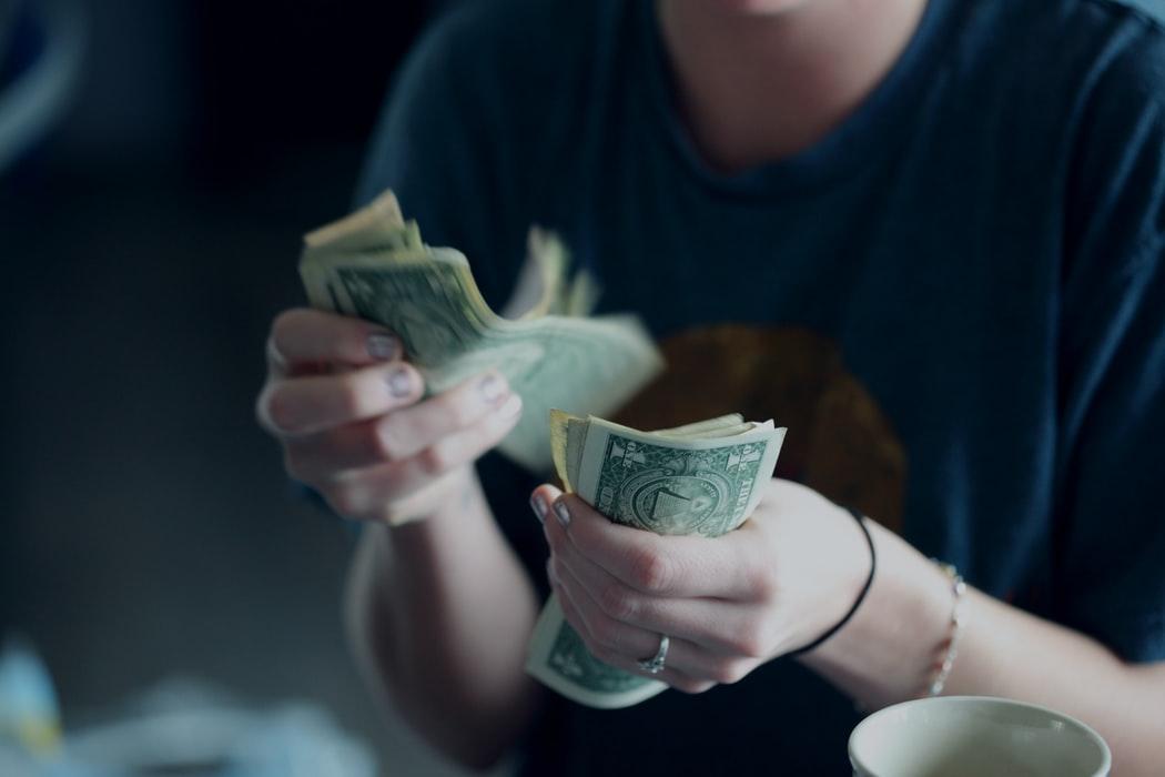 Zo houd je je inkomsten en uitgaven onder controle